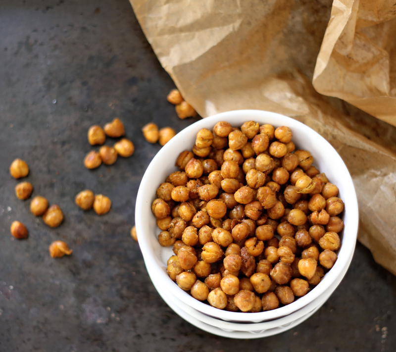 Spicy Roasted Chickpeas • Green Evi
